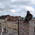Автомобил на покрива, огнедишащ дракон и приказки за стария град