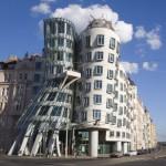 Танцуващата къща на Прага, или безкрайният танц на Джинджър и Фред
