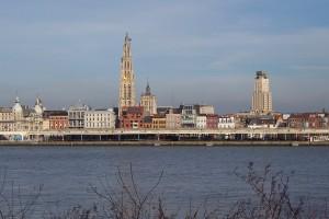 Antwerp_riverfront,_april_2012