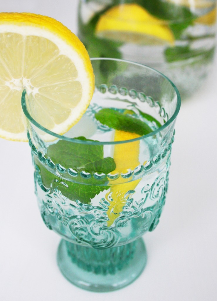 Lemon-Mint-Water-739x1024