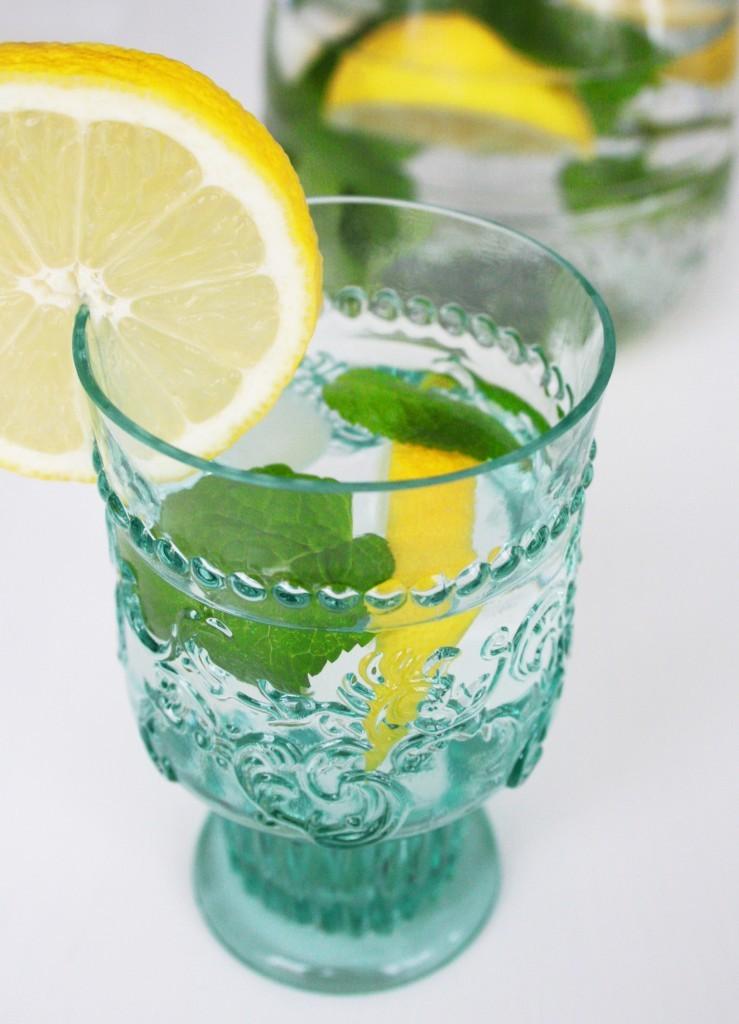 Lemon-Mint-Water-739x1024